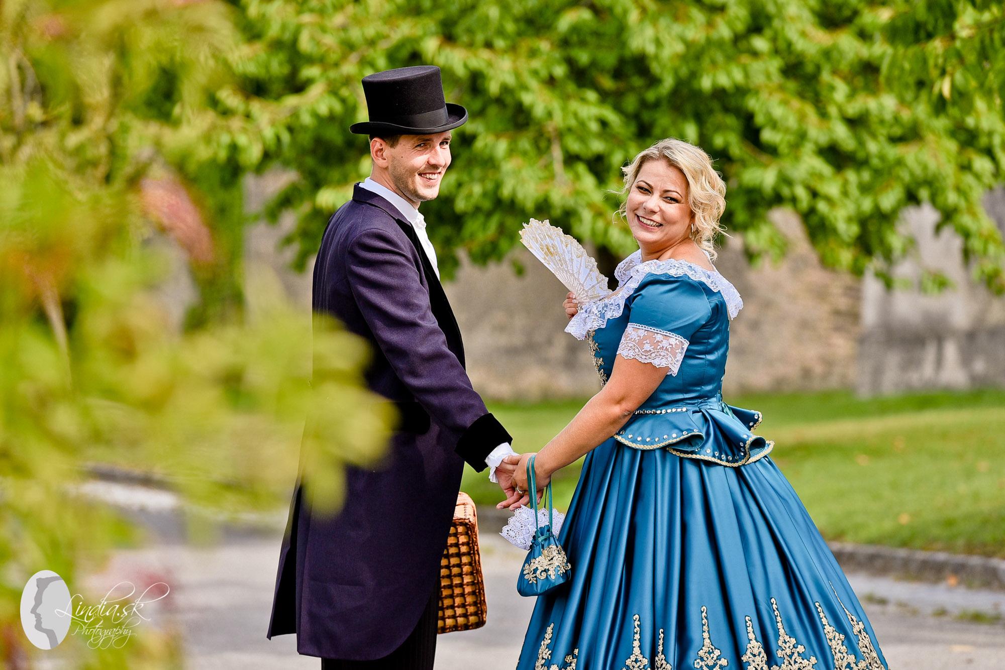 netradicne svadobne saty schloss hof rakusko austria fotograf zenich
